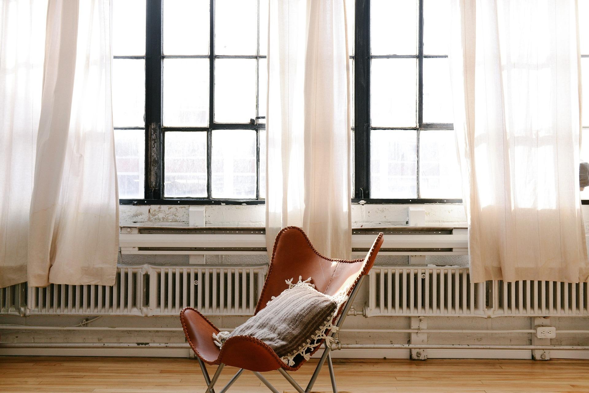 ablakok radiátorral