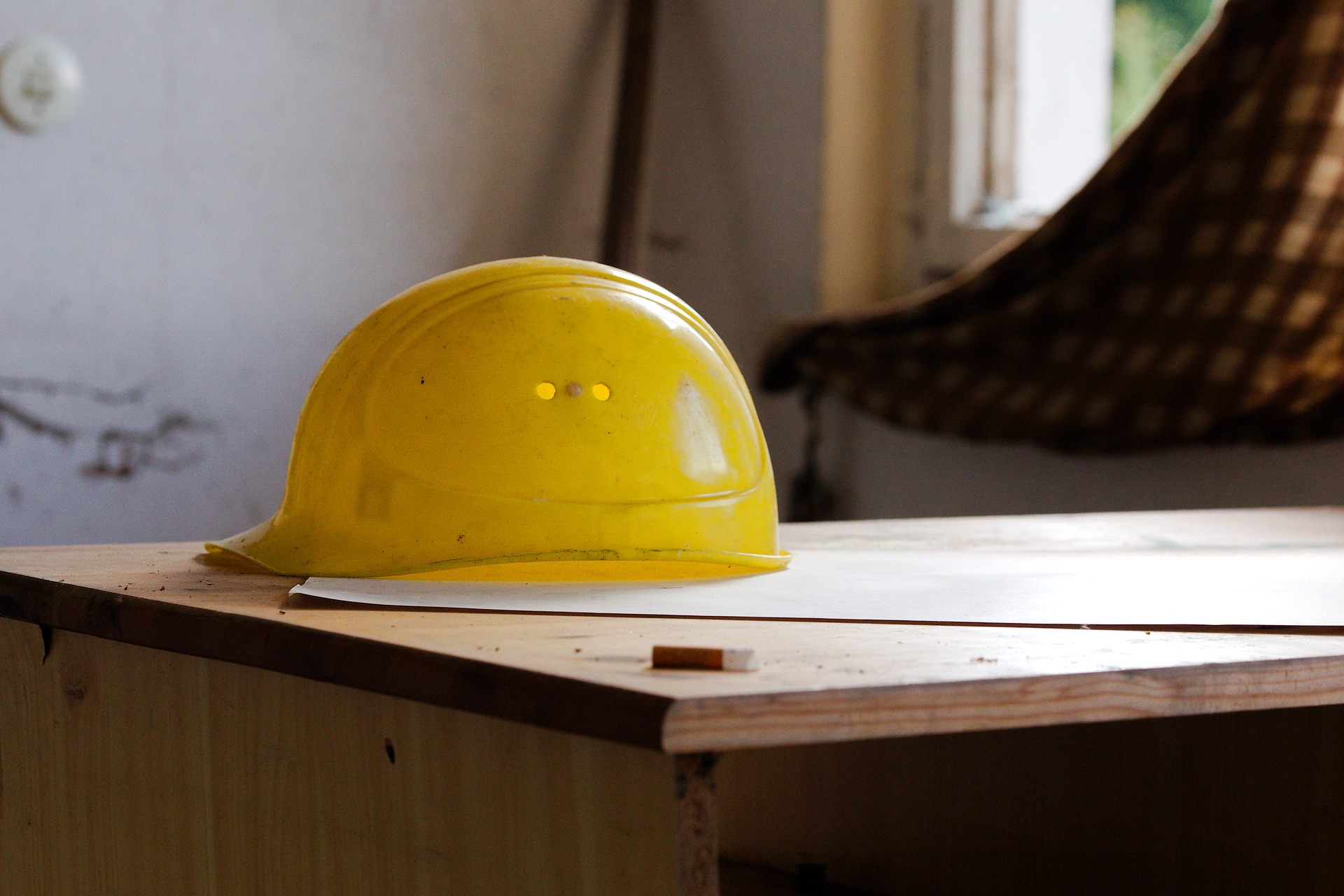 építkezési védősisak sárga
