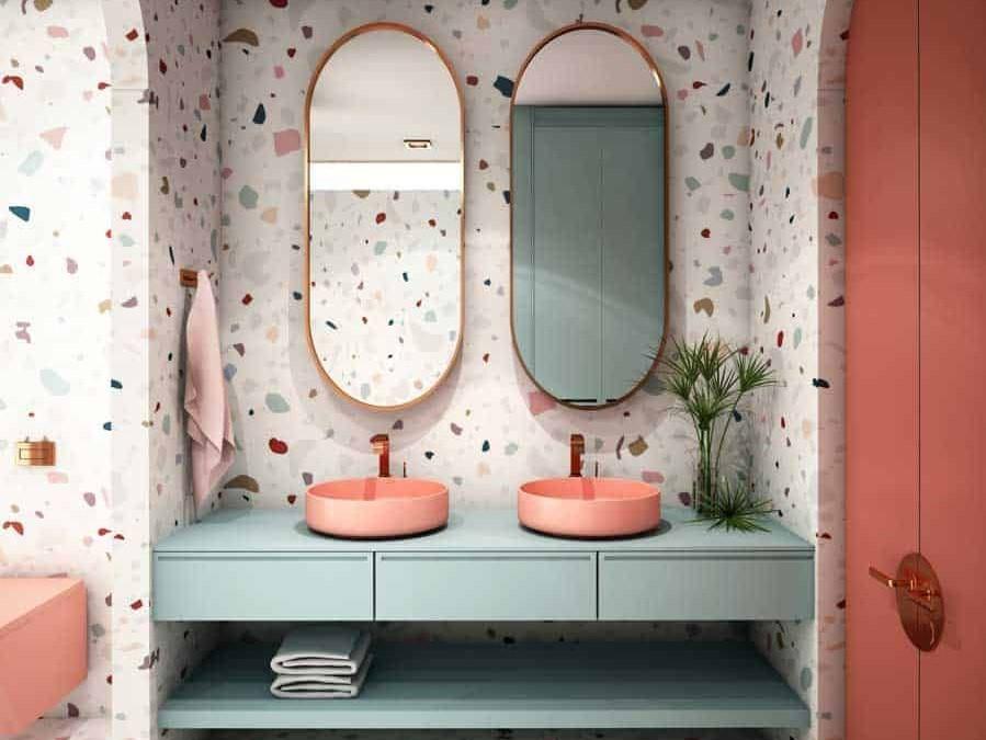 púderszínű fürdőszoba meglepő mintákkal